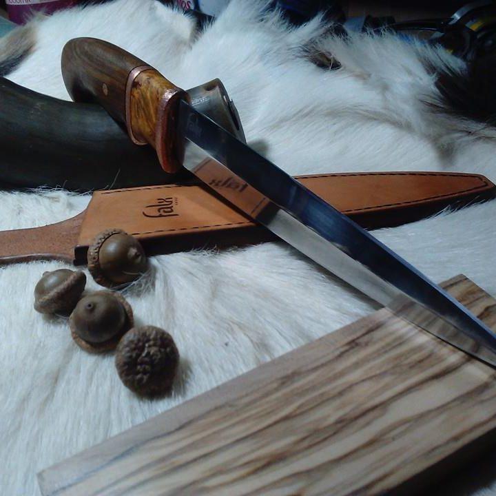 Cuțit vânătoare forjat manual